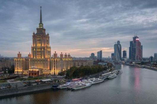 Новинский бульвар: знаменитые сталинки и утерянные дворцы