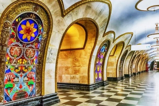Подземные дворцы московского метро