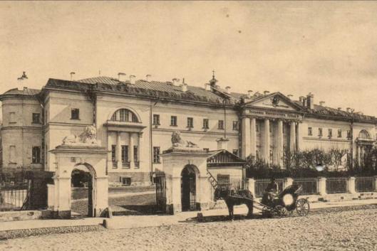 За Серпуховскими воротами